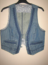 A LOVELY STYLISH WOMENS BLUE DENIM WAIST COAT BY RED HERING   SIZE UK 10