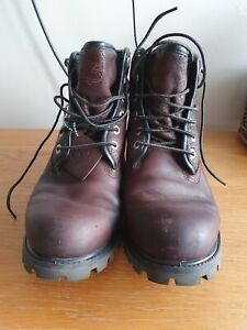 Used Timberland boots. Size 8 in Brown. Good condition, waterproof