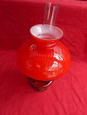 6837. Schöne Petroleumlampe  -  rot  -  32,5 cm hoch
