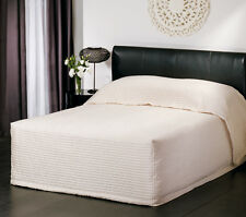 New LOGAN and MASON PLAZA IVORY Faux Silk KING Size BEDSPREAD RRP $260!