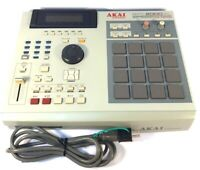 AKAI MPC2000XL professional Music Production Center W/Ac Cable Free Ship JP