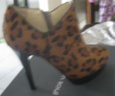 URBAN SOUL HARTFORD LEOPARD HIGH HEEL SHOES, SZ 39, ANKLE CUT, WITH ZIPPER, LEAT
