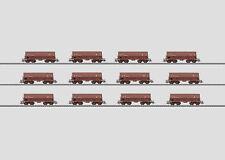 """MÄRKLIN 00768 Display mit 12 Erzwagen """"Mineraliers"""" der SNCB #NEU in OVP#"""