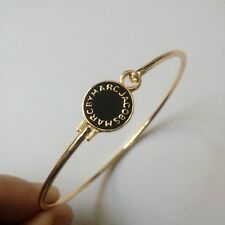 HOT SALE MARC BY MARC JACOBS BLACK DISK LOGO LETTERS GOLD BRACELET #B3193