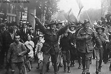 WW1 - Photo - Les Alliés fêtent la victoire à Paris le 11 Novembre 1918
