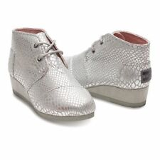 NEW TOMS big girls youth size 5 Wedges Ankle Booties Silver Metallic Animal Y5