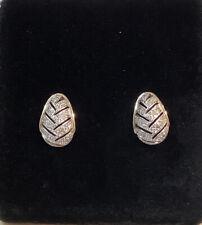 14K YELLOW GOLD DIAMOND .20 Ct. OVAL SHAPE CHEVRON DESIGN EARRINGS