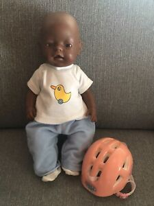Baby Born Puppe 43cm Zapf fabig dunkle Hautfarbe mit Helm