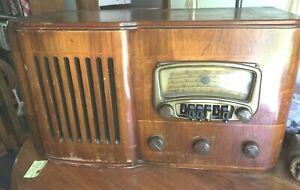 Vintage Wards Airline radio 04 WG-83 1940