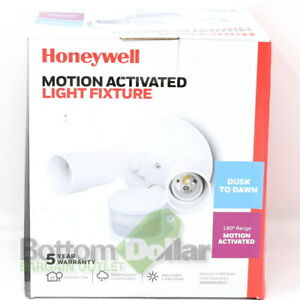 Honeywell NK0000B20610 Dusk to Dawn Motion Activated Light Fixture White