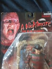 Movie Maniacs Series 2 de pesadilla en Elm Street Freddy Krueger Figura en caja