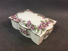 Ancienne petite boîte en porcelaine motif fleurs vintage type boite à bijoux