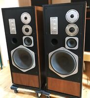 BEAUTIFUL Pair (2) Marantz HD880 HD 880 4-way Floor Speakers ~ Lovely Set