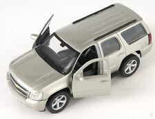 BLITZ VERSAND Chevrolet Chevy Tahoe champagner Welly Modell Auto 1:34 NEU & OVP