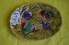 Plat ovale en barbotine à décor de fruits Sarreguemines
