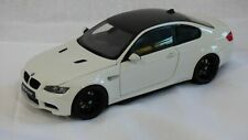 KYOSHO 1:18  BMW M3 E92 Coupe Alpine White Last Aspirated V8 Engine Car Present