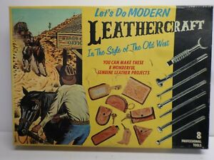 "Vintage ""TANDY"" LEATHERCRAFT KIT - No. 5500 - ORIGINAL BOX"