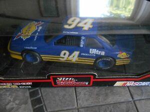 #94 Terry Labonte SUNOCO 1992 1/24 Racing Champions black box.