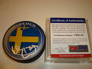Niklas Kronwall Signed Team Sweden Hockey Puck Autographed PSA/DNA Red Wings b