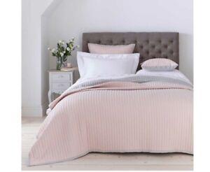 Dusk Twilight Bedspread 2.5m X 2.6m - Plus Cushions Cover 65x65CM Pink/Grey