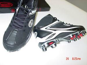 NIB NWT Mens Louisville Slugger Cleats Athletic Sport Black w/ White Action Shoe