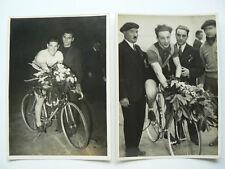 Lot de 2 Photos Coureurs Cycliste au Veldhiv  Années 30      Vélo