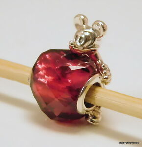 AUTHENTIC PANDORA DISNEY LOVE MICKEY HEART #797168NFR HINGED BOX  RETIRED