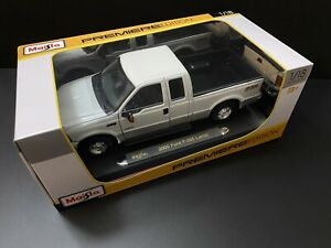 2005 Ford F-350 Pick Up Truck White 1/18 F350 Kodeblake Special