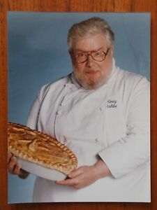 Pie In The Sky - Richard Griffiths - Colour Press Photo - 1995 - Henry Crabbe