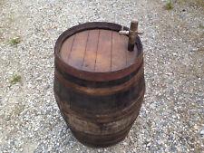 Ancien tonneau à vin foudre vigne vintage bistrot tonnelet chalet bistrot