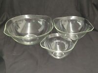 VINTAGE SET OF 3 CINDERELLA STYLE CLEAR GLASS MIXING BOWLS MADE BY PYREX