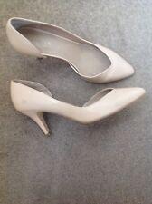 Carvela Shiny Beige Pointed Toe Court Shoe 6 UK  39 EU