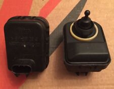 Vauxhall Zafira Headlight Dip Motor,1998-02, 3 Pin Connector,90582042 x 2 Motors