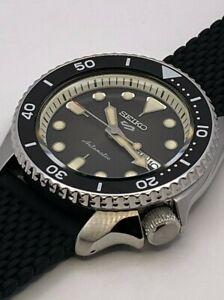 Seiko 5 Sports Men's Auto Black Dial Silicone Strap Watch SRPD73K2
