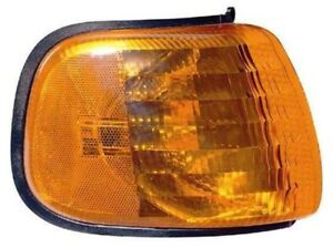 Turn Signal / Parking Light Assembly Front Right Maxzone 333-1523R-US