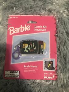Mini BARBIE Hat Box Keychain NEW Vintage 1999 BASIC FUN # 728-0 Unopened!