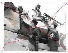 Pressefoto 2.WK - Englische Pilotenausbildung - Lewis MG / Demon Kampfflugzeug