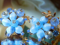 XXX Grgeous Blue Lucite Flower WOW Stunning Vintage 50's Clip On Earrings 452M8