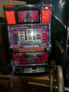 Video poker machine igt