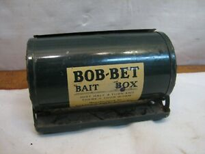 Vintage Tin Bob-Bet Fisherman's Belt Bait Box Rotating Fishing Tool Worm