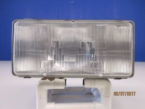 90 92 Cadillac Fleetwood Brougham Left drivers side Euro Headlight Assembly NICE