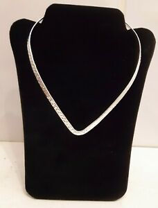 Stunning Mexican 999 Silver Plated Choker hammered V design Taxco Latina