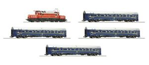 Roco HO scale Electric locomotive class 1020 and 4 CIWL sleeping cars OBB