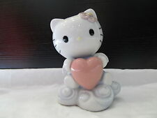Nao by Lladro Hello Kitty From The Heart New in original Box # 01696