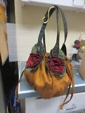 Cloth Handbag Russ and Green and Red in colors Pull string close tie