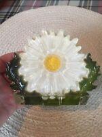 VTG 1960s Retro Groovy MOD Lucite Flower Power Napkin Letter Holder White Daisy