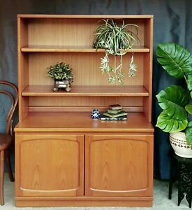 Mid-century Chiswell Teak Bookcase / Display Shelves & Cabinet.