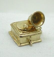 Very Nice heavy 9ct Gold Old Fashioned Gramophone Charm