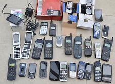 Trabajo Lote de teléfonos móviles X 30 Apple Nokia Ericsson Doro