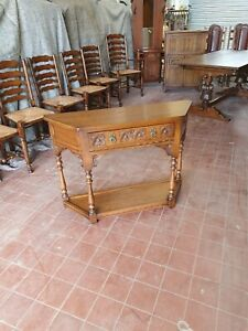 OLD CHARM FURNITURE CANTERED HALL/CONSOLE/TELEPHONE/LAMP TABLE DRAWER & SHELF